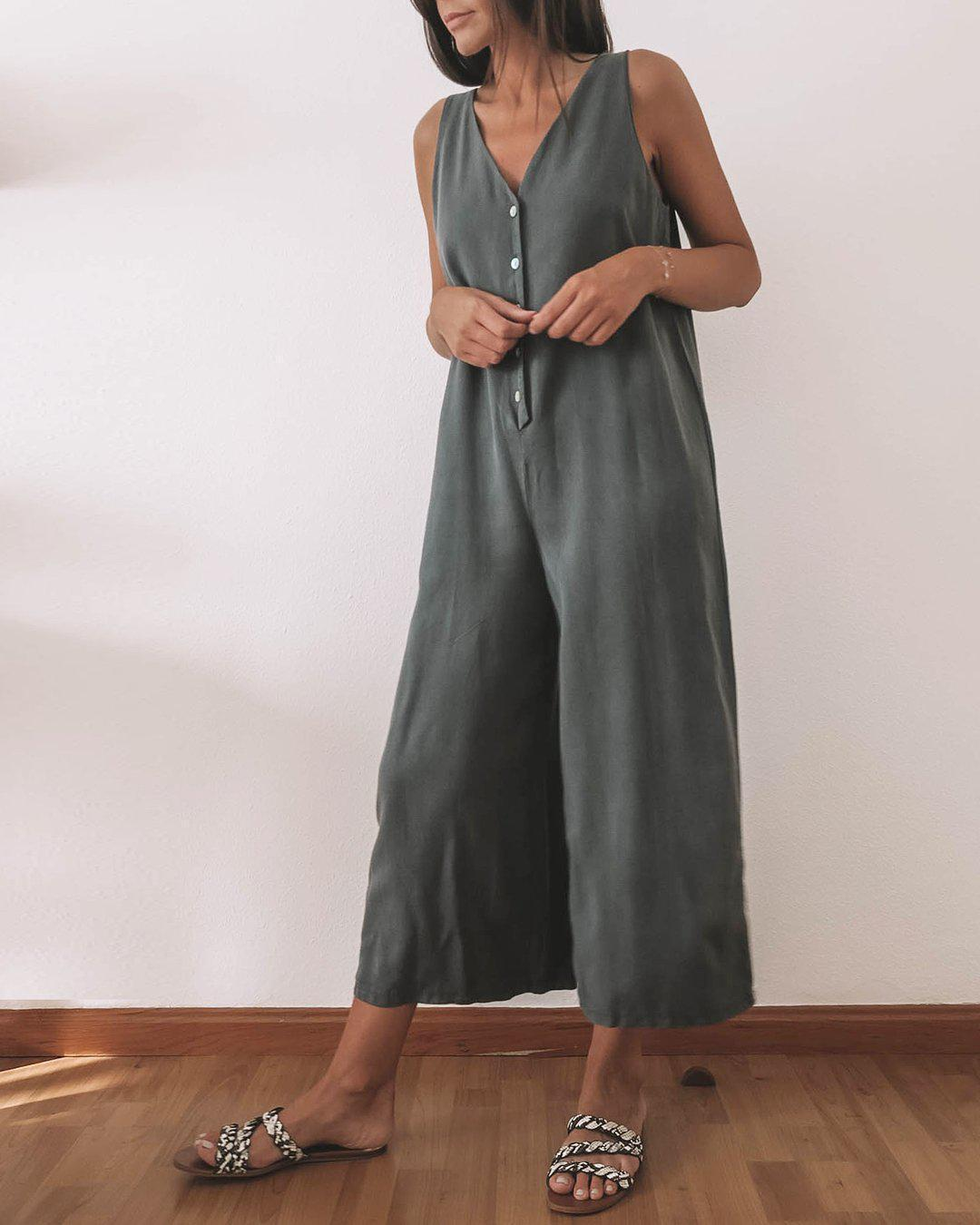 Temperament Solid Color V-Neck Sleeveless Loose Wide Leg Jumpsuit 1