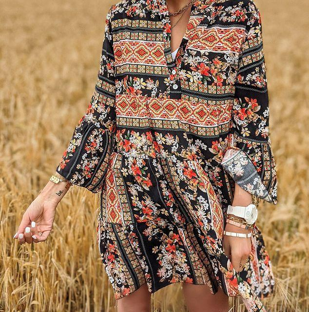 Romantic Vacation Style V-Neck Loose Printed Dress 1