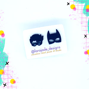 Lara Jade mini Batman & Robin studs | Black