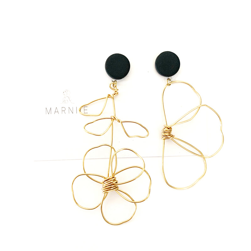 MARNIIE Daisy Long stem odd pair | Brass and black