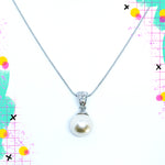 TID pearl and diamante chain