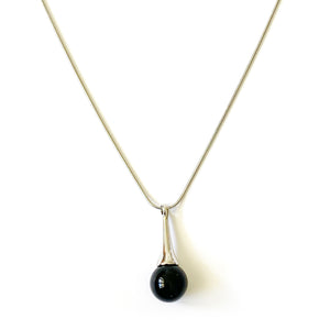 TID black pendant necklace