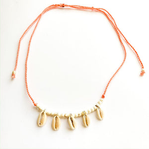 TID BEACH Hanging Shell necklace | peach