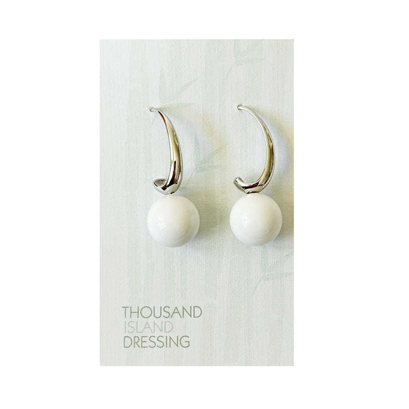 TID ball and silver curve drops | White