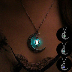 Vintage-Luminous-Moon-Necklace