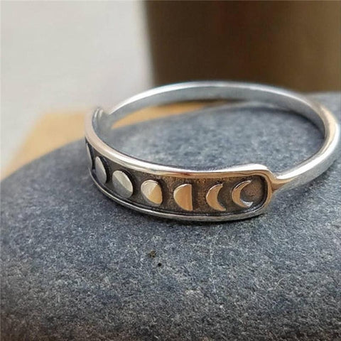 Vintage Moon Astrology Leisure Ring
