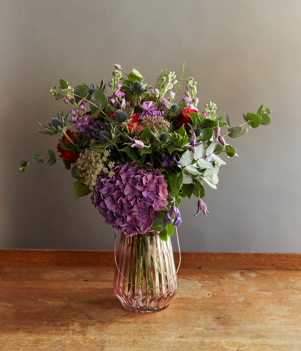 Weekly, fortnightly or monthly flowers subscriptions.