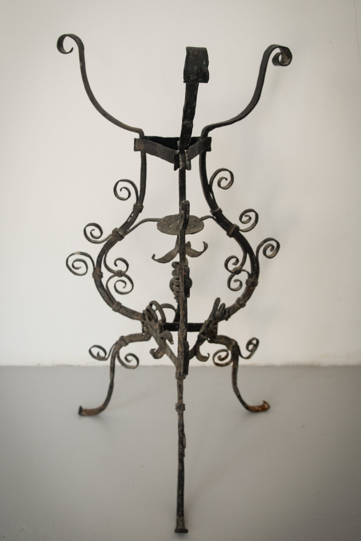 Pair of Wrought Iron Antique Washbowl Stands_2