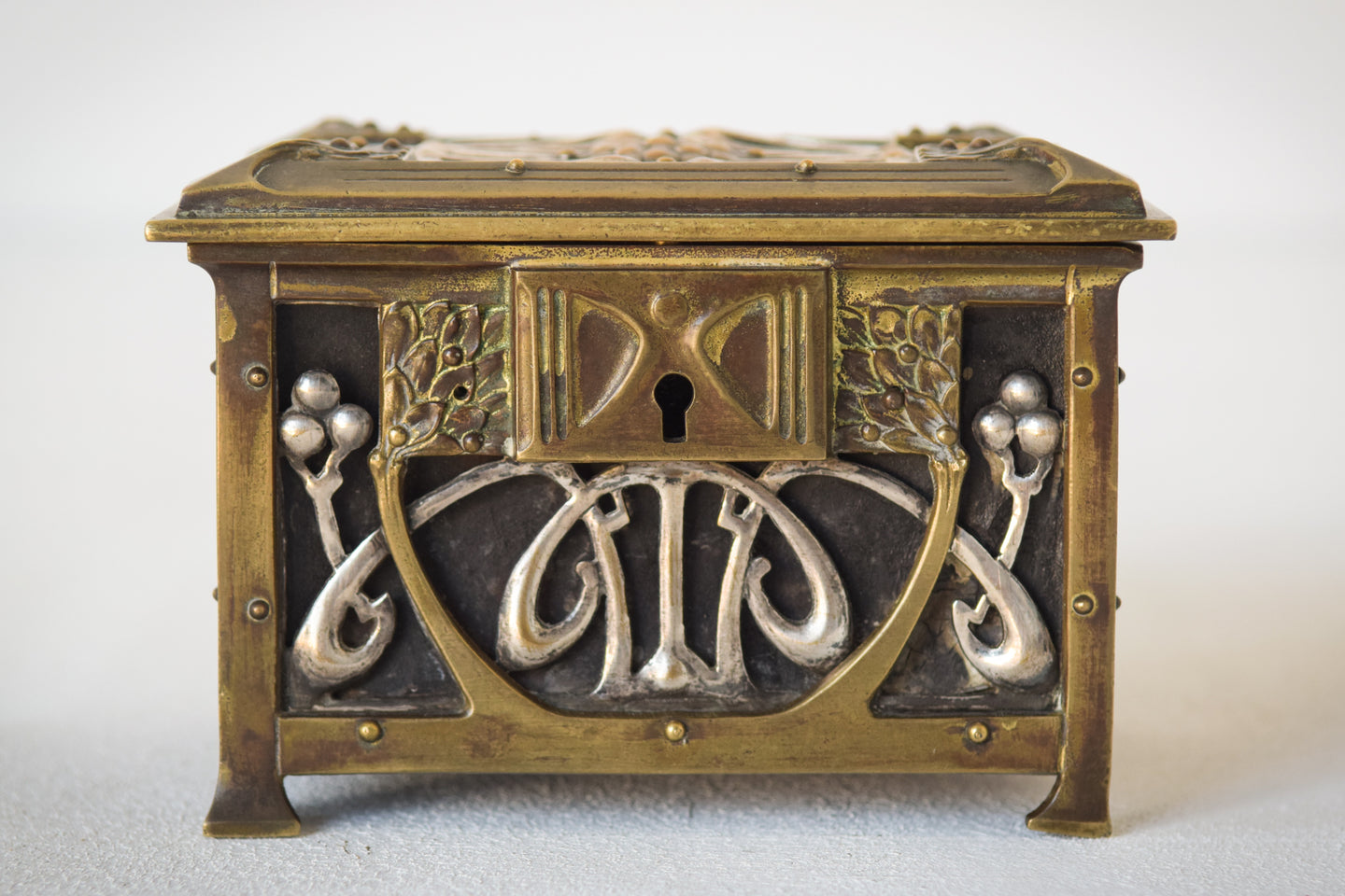 Early Art Nouveau Handmade Box in Brass and Silver