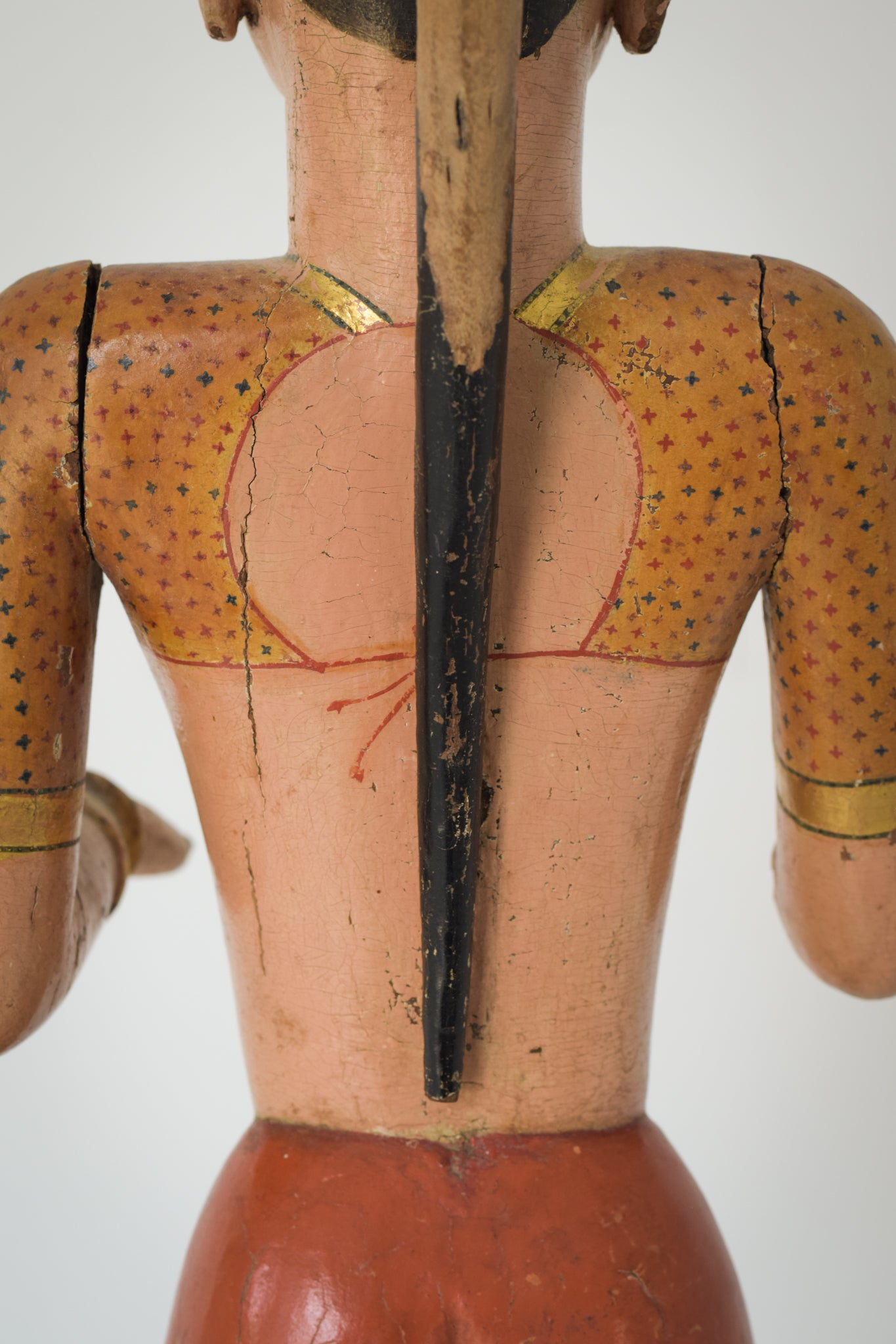 19th-century Hand Carved Indian Figure_Back Detail