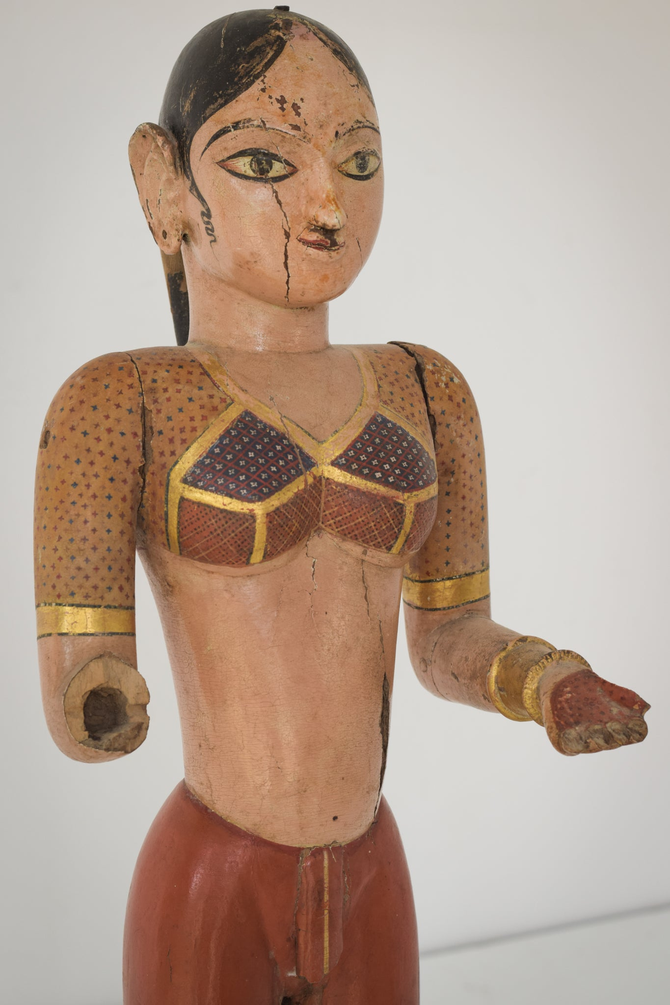 19th-century Hand Carved Indian Figure_Detail