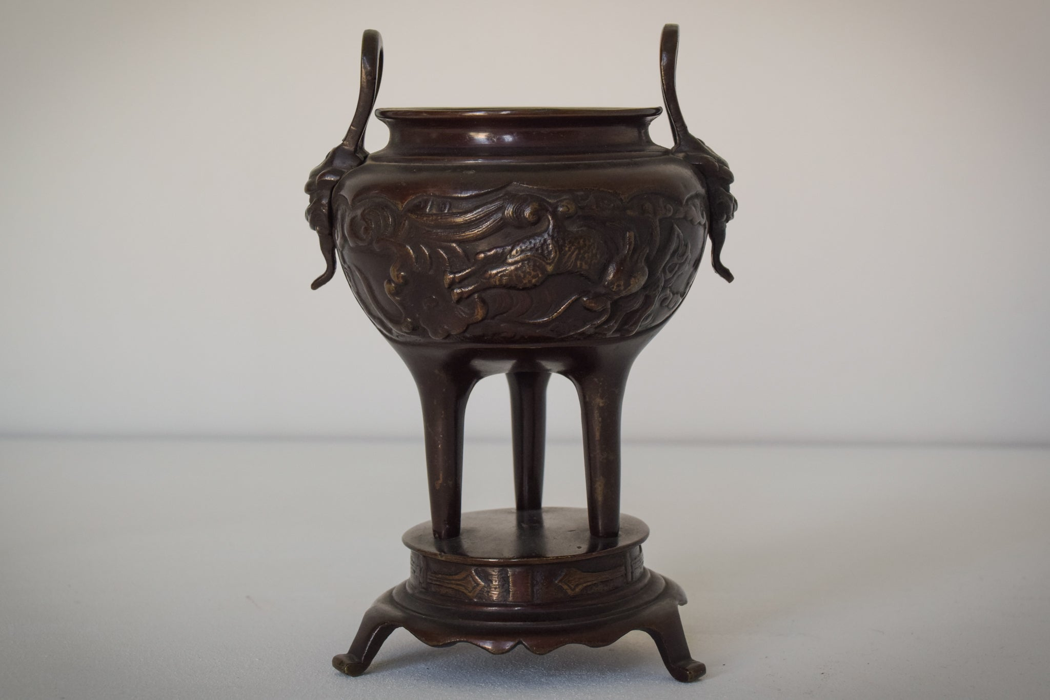 Ornamental Bronze Chinese Pot_2