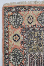 Load image into Gallery viewer, Handmade Medium-size Persian Rug