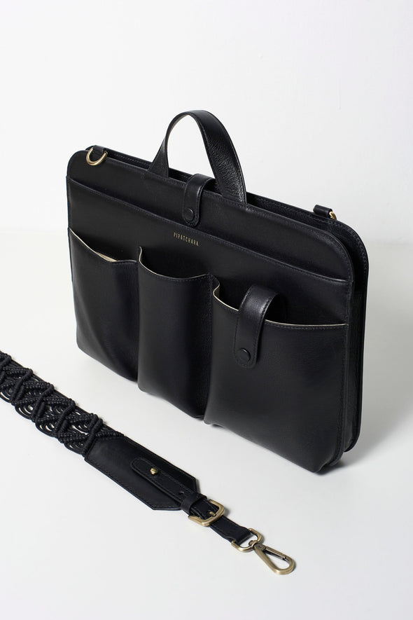 LIA LAPTOP CALF LEATHER IN BLACK