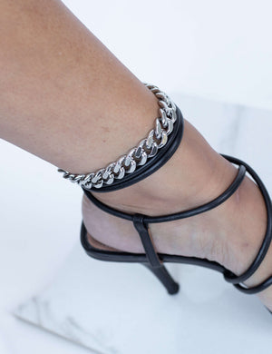 BY SARA CHRISTIE THE QUEEN ANKLET