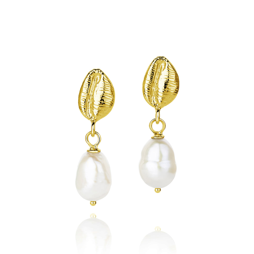 CLAUDIA BRADBY COWRIE SHELL PEARL EARRINGS