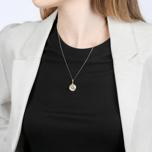 V BY LAURA VANN EDIE GOLD AND PEARL NECKLACE