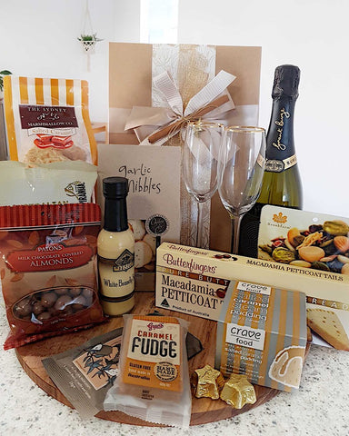 Deluxe Gourmet Hamper with Champagne & Glasses