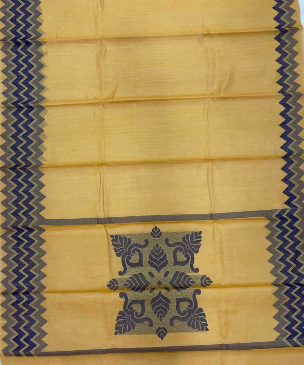 Pale yellow handwoven zig zag tussar silk saree