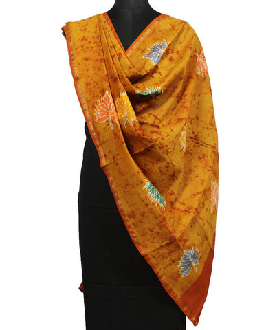 Batik Print Light Orange Maheshwari Dupatta