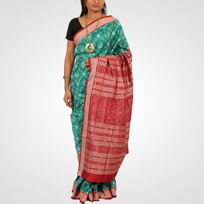 Handwoven Pasapalli Silk Saree in Green and Maroon