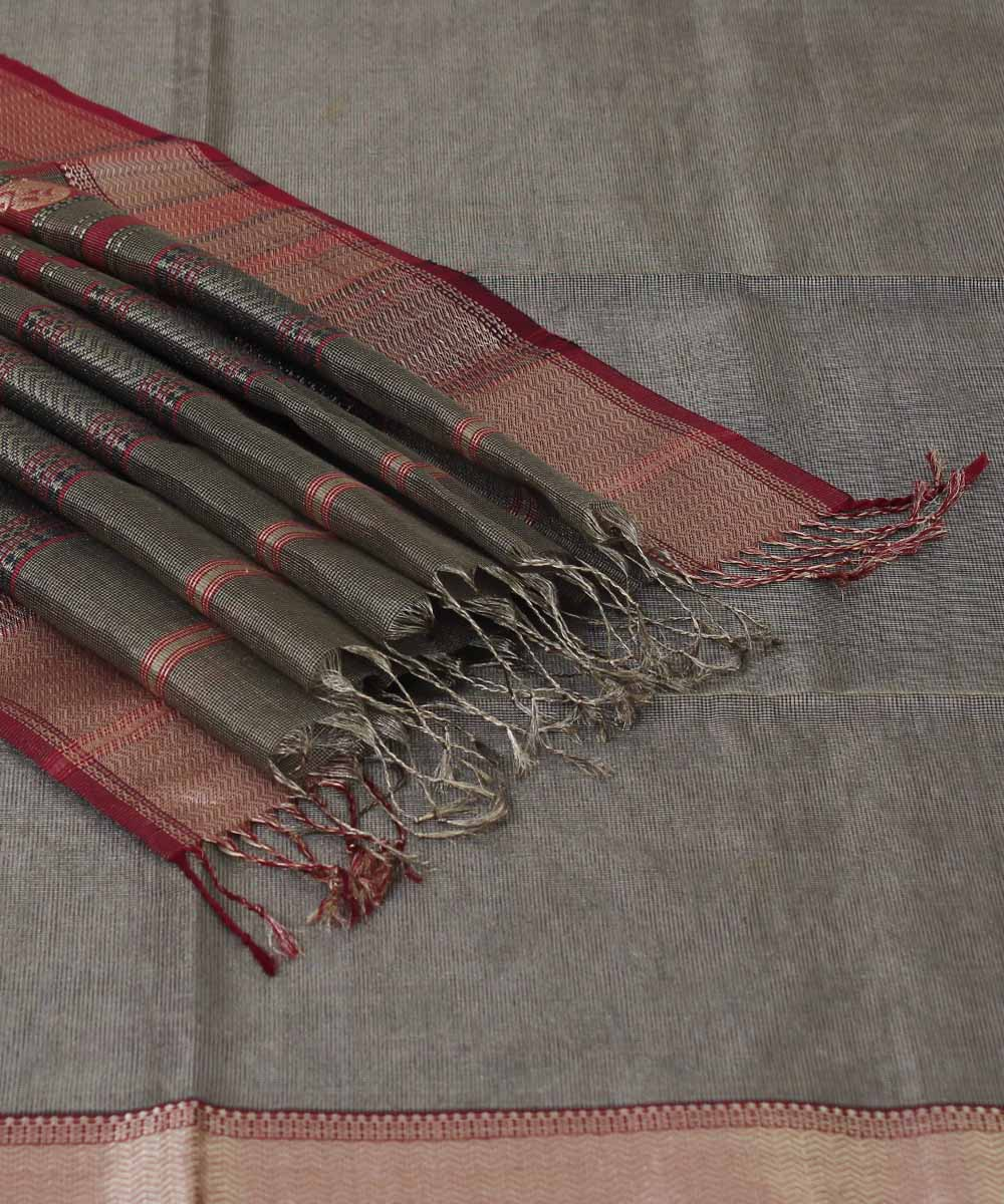 Handwoven Golden Black Maheshwari Sico Saree