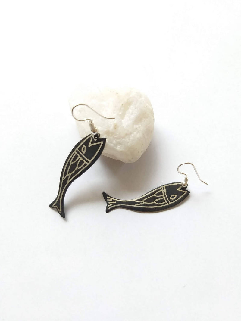 Handcrafted pure silver inlay bidri fish dangler earring