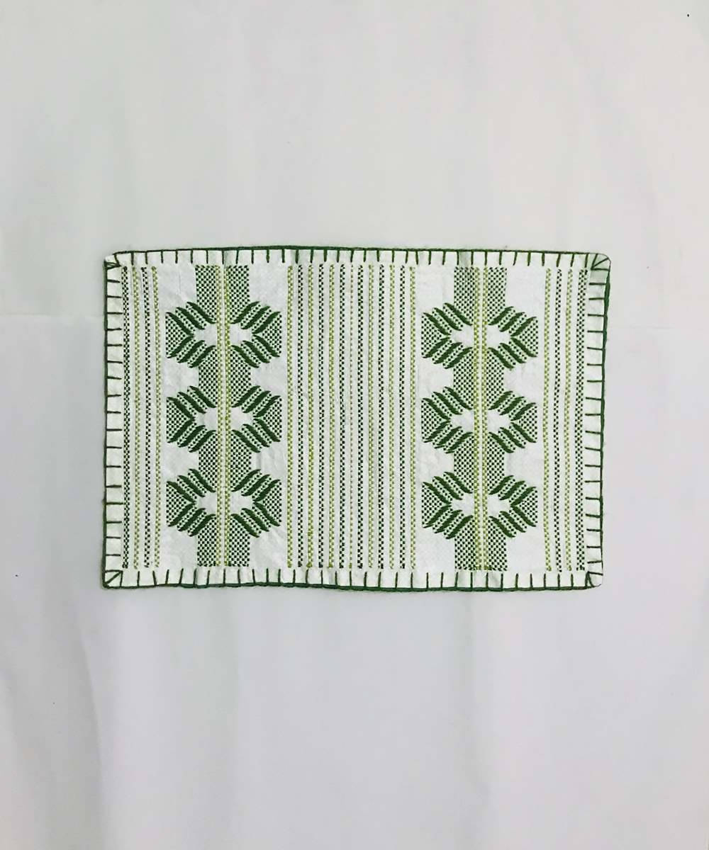 Olive green and white taat wool Hand Embroidered Table Mat (Set of 6)