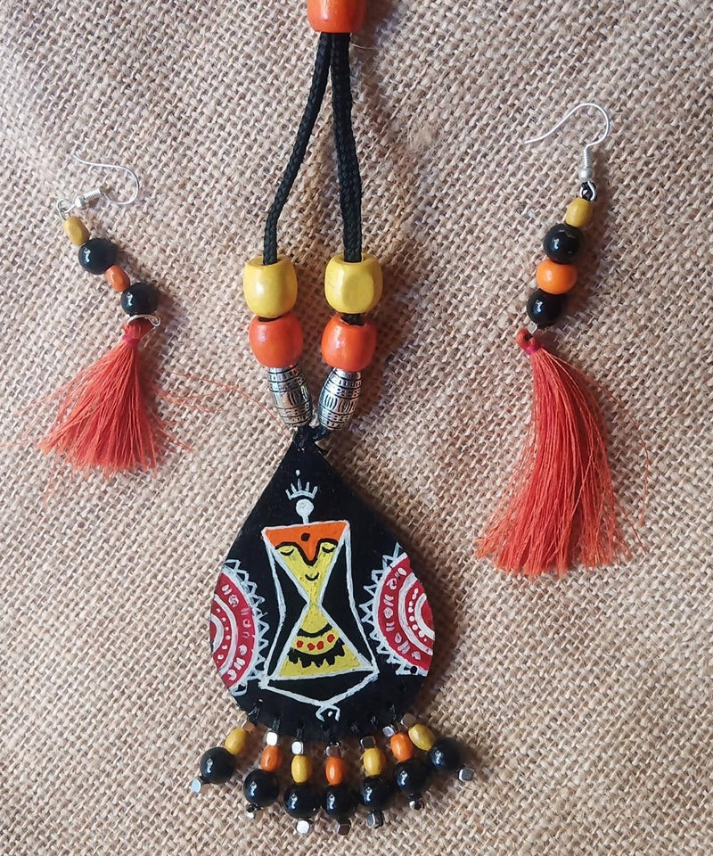 Hand painted Wooden necklace and earring Jewellery Set