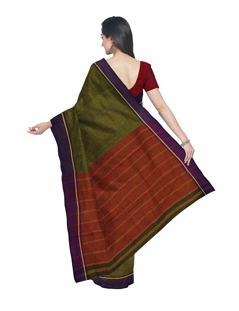 Patteda Anchu Green Checks Handwoven Saree