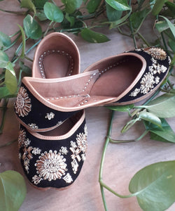 BEAUTY WITH Black Handcrafted Jutti