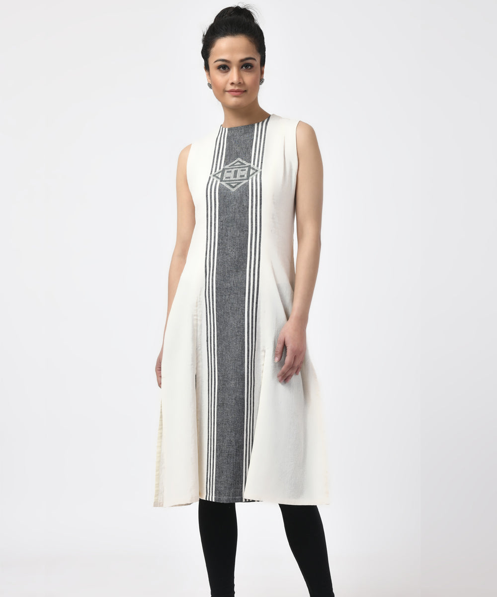 White Black Sleeveless Cotton Handwoven Kurta