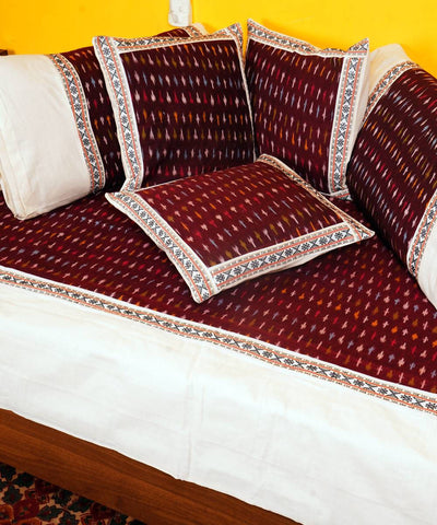 Handloom Maroon White Pochampally Diwan Set