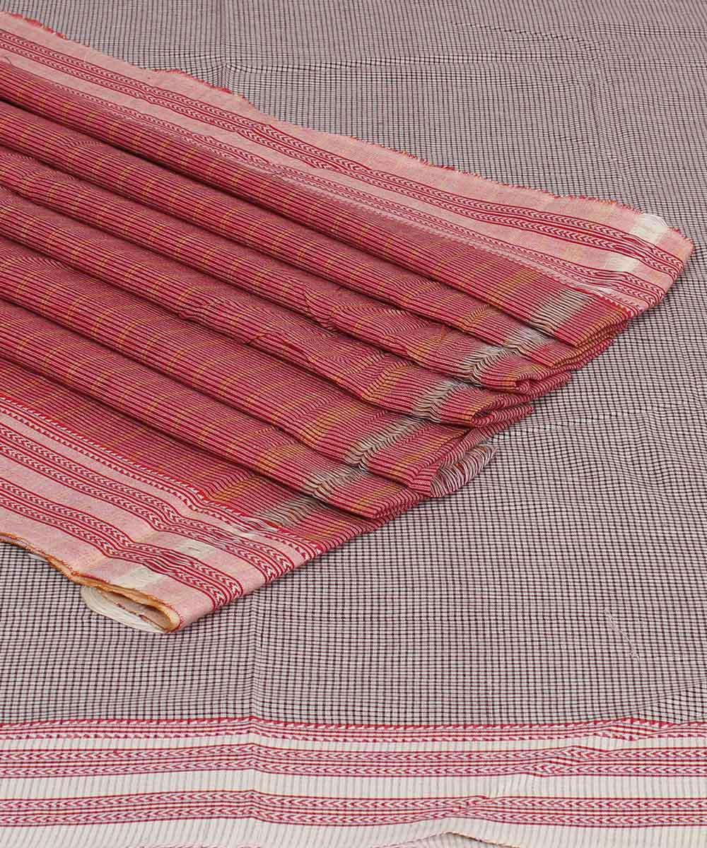Patteda Anchu Gomi White Check Handloom Saree
