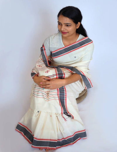Bavanbuti White Handwoven Cotton Saree