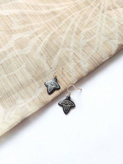 Handcrafted pure silver inlay bidri flower dangler earring
