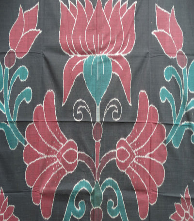 Unique Black And Maroon Traditional Ikat Tie And Dye Double Bed Cover
