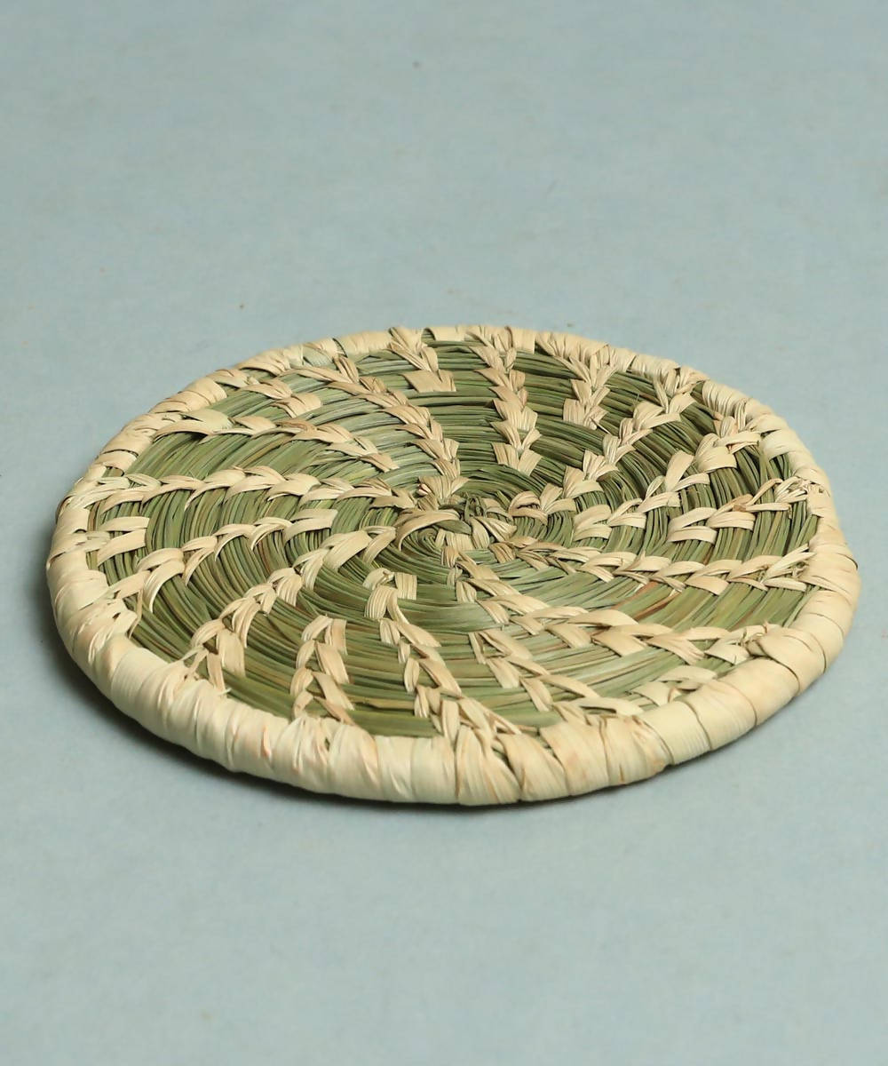 Natural beige handcrafted golden grass coaster