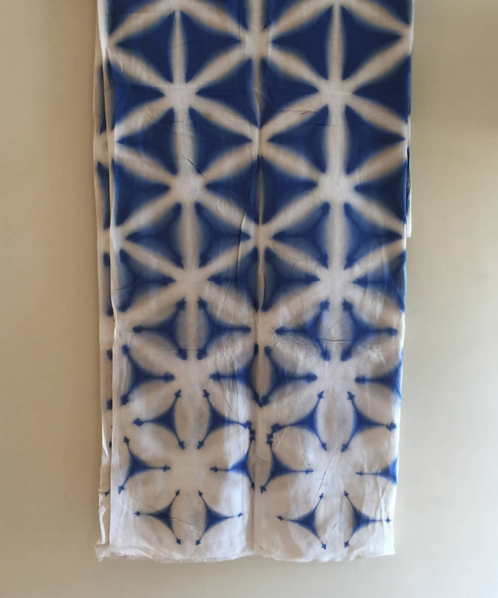Clamp dye handloom blue and white cotton table runner