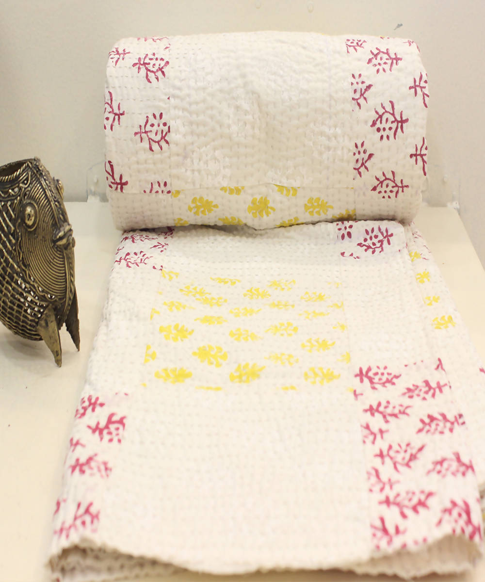 Off white printed patchwork tanka cotton single bed quilt