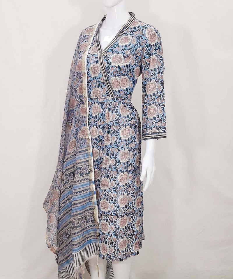 Blue block print chanderi dupatta with mul cotton kurti