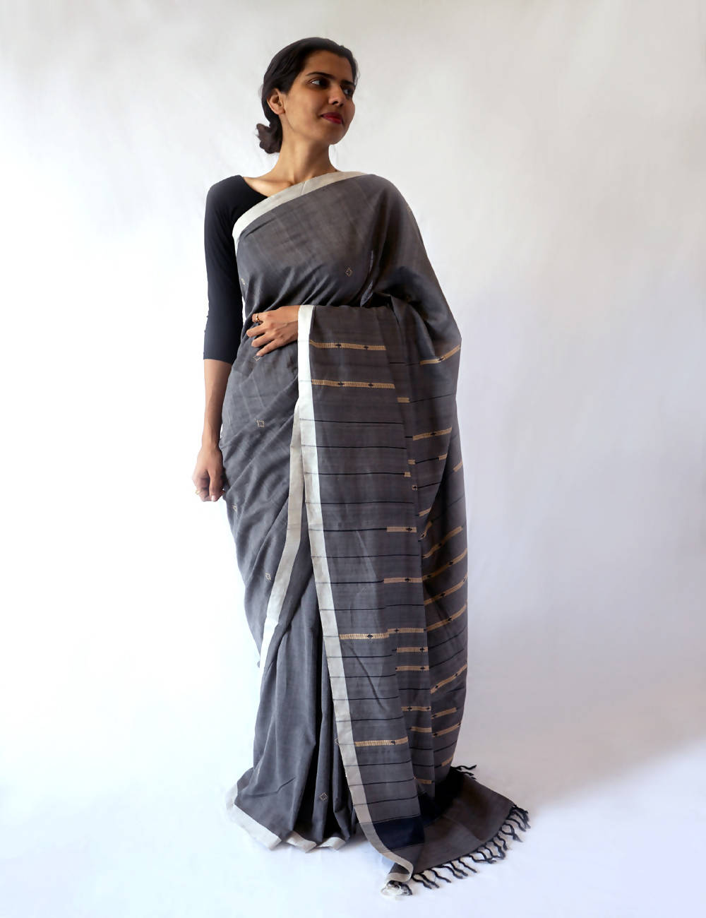 Bavanbuti Handloom Grey Black Cotton Saree