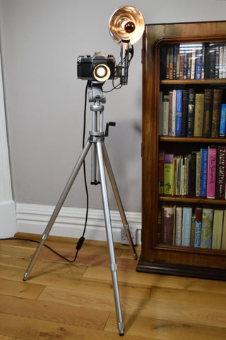 The Pentax photo-flash camera floor light