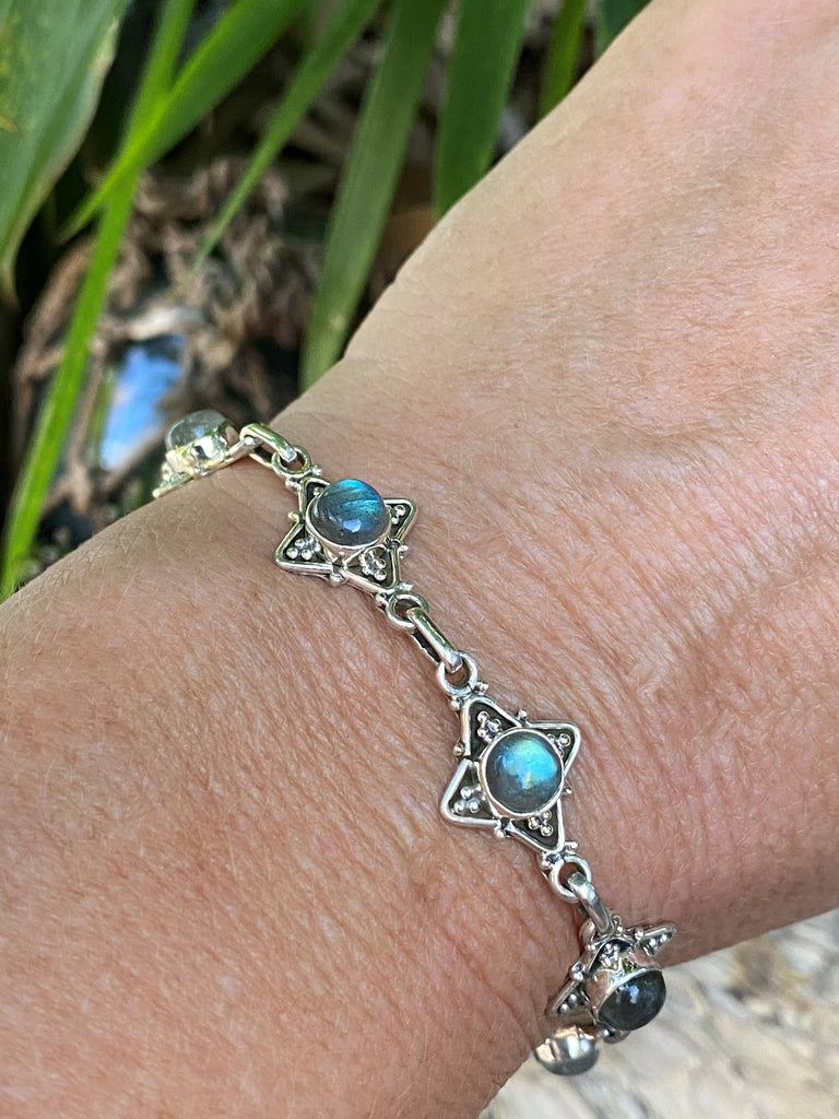 "Luminous Labradorite! 9.18cts cabochon labradorite gemstone and sterling silver star tennis bracelet 7.5-8"" L"