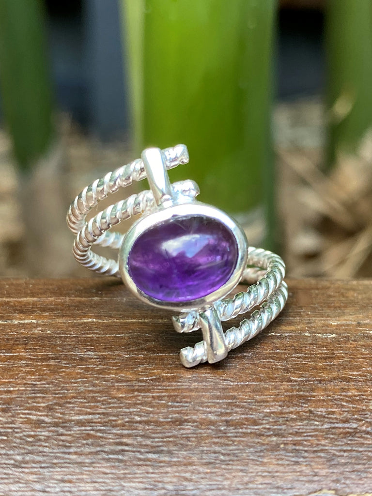 Violet Lux - Cabochon Amethyst gemstone sterling silver twist bypass ring - Size 8