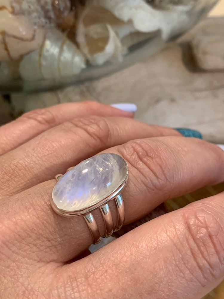 Perfection! Luminous large oval rainbow moonstone triple band sterling silver 925 ring