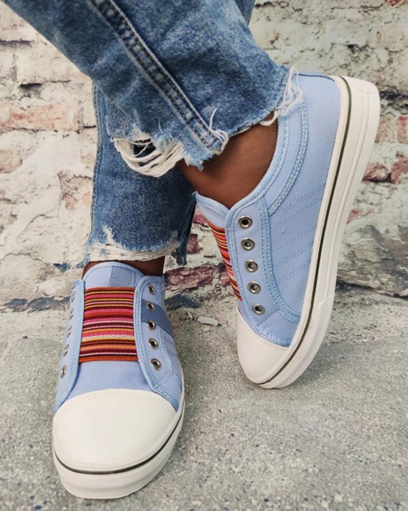 FarrGo Classic Laceless Round-Toe Canvas Sneakers