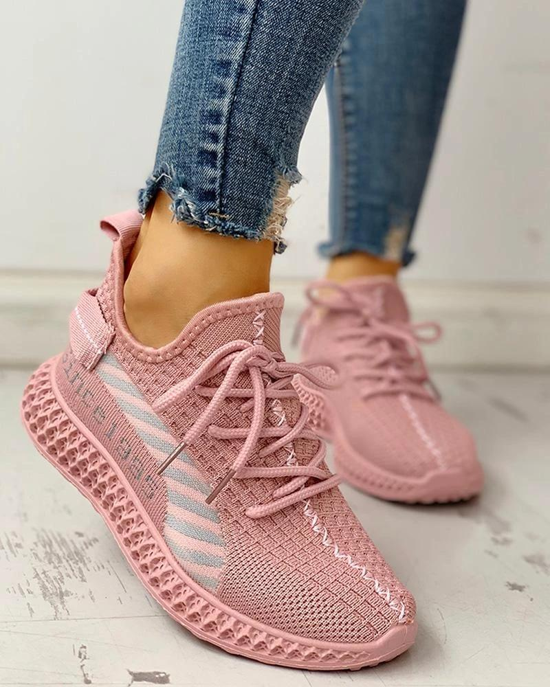 FarrGo Breathable Letter Printed Yeezy Stitching Color Lace Up Sneakers