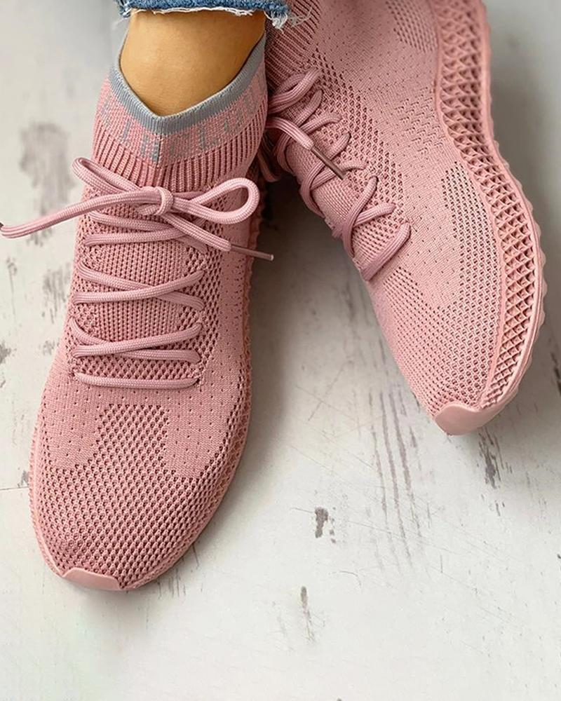 FarrGo Letter Print Net Surface Breathable Lace-Up Elastic Casual Sneakers