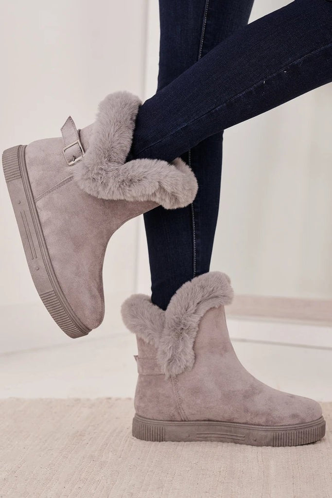 FarrGo Faux Shearling Lined Short Snow Boots